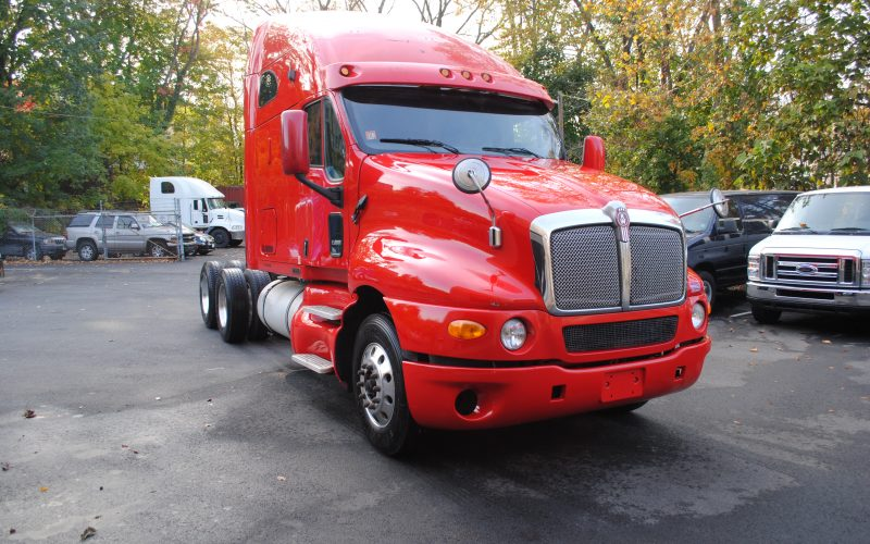 2007KENWORTH-T200-RED-TRACTOR-001