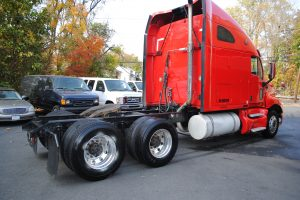 2007KENWORTH-T200-RED-TRACTOR-004