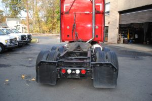 2007KENWORTH-T200-RED-TRACTOR-005