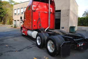 2007KENWORTH-T200-RED-TRACTOR-006