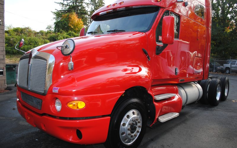 2007KENWORTH-T200-RED-TRACTOR-009