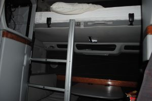 2004 VOLVO 780 DOUBLE BUNK 014