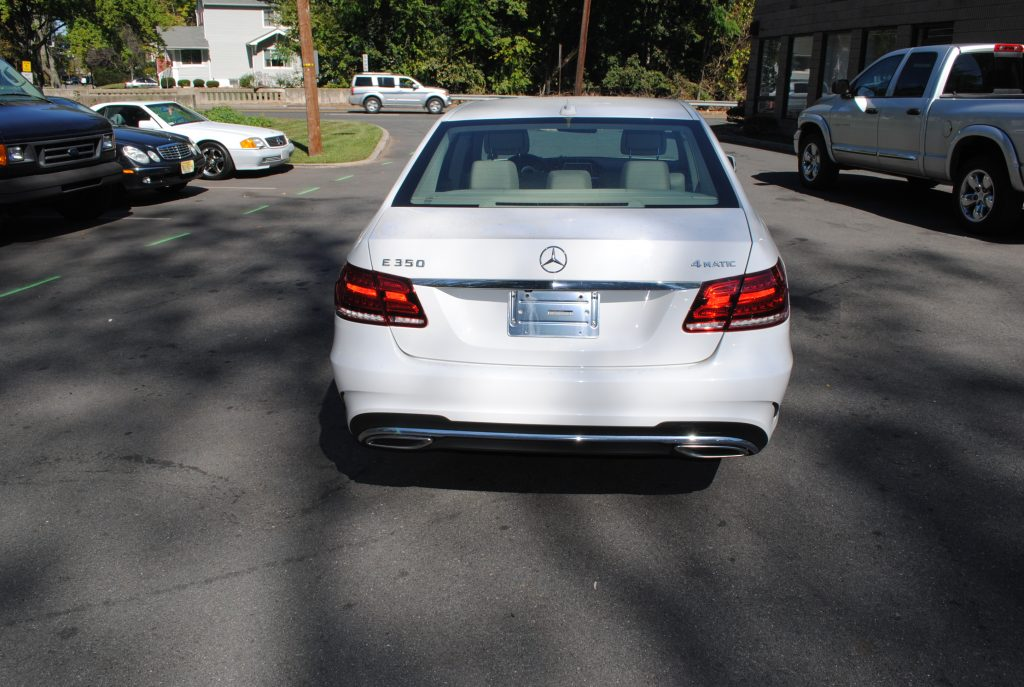 2014 Mercedes benz e350 4matic  Cinemacar Leasing