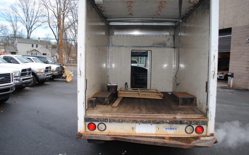 2007 ford e350 super duty 10 ft box truck 006
