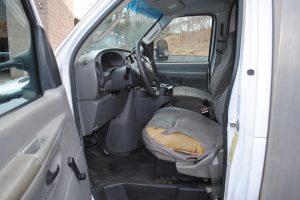 2007 ford e350 super duty 10 ft box truck 013