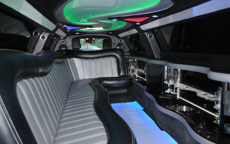 2013 chry 300 interior pics 007