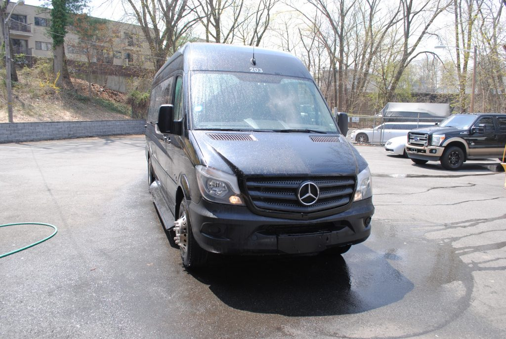 benz what a like lexani van looks limo sprinter exterior limousine laac mercedes andalucia