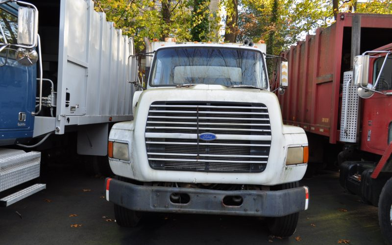 1990 FORD F 8000 GARBAGE TRUCK 003