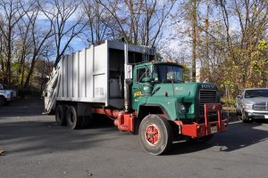 1993 MACK DM 690 25 YARD GARBAGE TRUCK 001