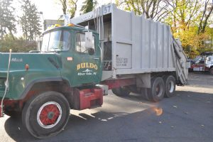 1993 MACK DM 690 25 YARD GARBAGE TRUCK 007