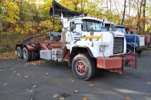 1997 MACK 600 ROLL OFF 001