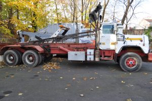 1997 MACK 600 ROLL OFF 002