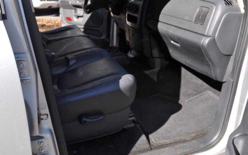 2004 DODGE CREW CAB 4X4 HEMI 016
