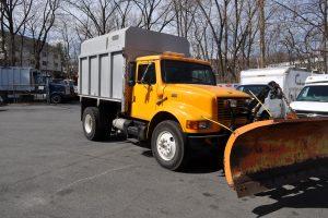 1998 international 4700 plow and dump 002
