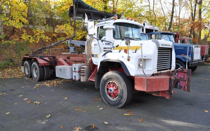 1997 MACK 600 ROLL OFF 001
