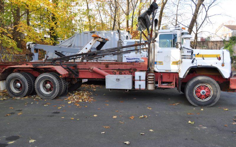 1997 MACK 600 ROLL OFF 002