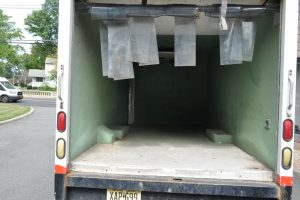 2002 FORD E 350 10 FT BOX TRUCK WITH REFER 003