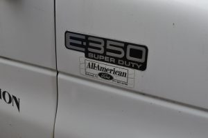 2002 FORD E 350 10 FT BOX TRUCK WITH REFER 005
