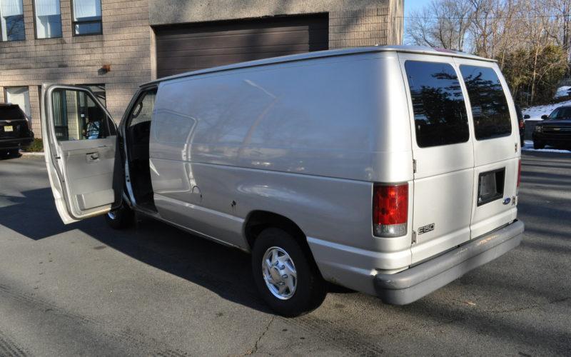 2003 FORD E 150 CARGO VAN 005