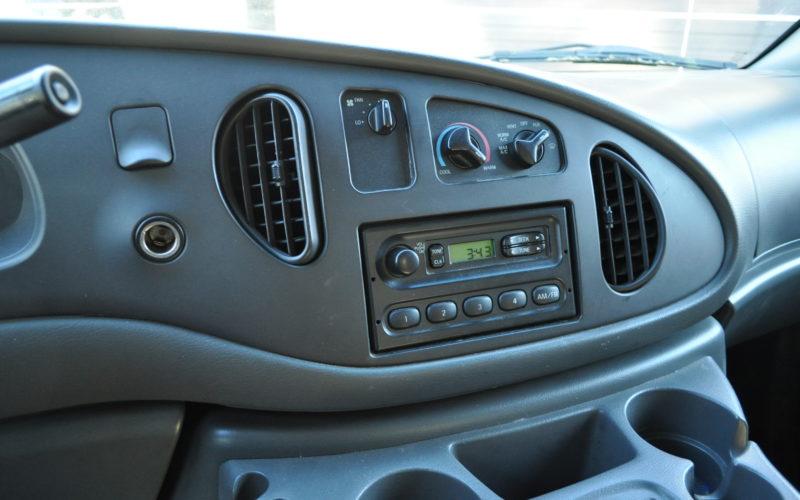 2003 FORD E 150 CARGO VAN 014