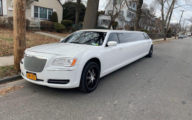 2013 chrsler 120 limo white